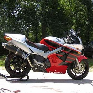 1999 Honda VFR 800 Ever seen a VFR painted like this?